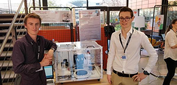 Guillaume Saillard, en 3e année de Génie Énergétique et Environnement (3GEN) et Steven Richard, en deuxième année de Formation Initiale aux Métiers d'Ingénieur (2FIMI)